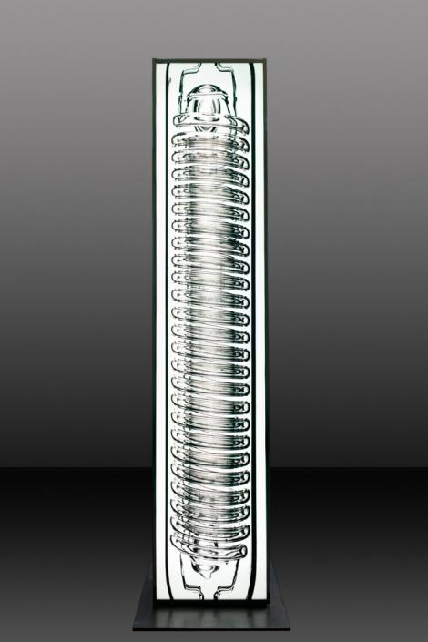 Andreas Horlitz - o.T. aus der Serie LEXICON, 2007 | Ilfochrome transparent / doppelseitig, Edelstahl | 220 x 40 x 30 cm | © VG Bild-Kunst, Bonn 2019