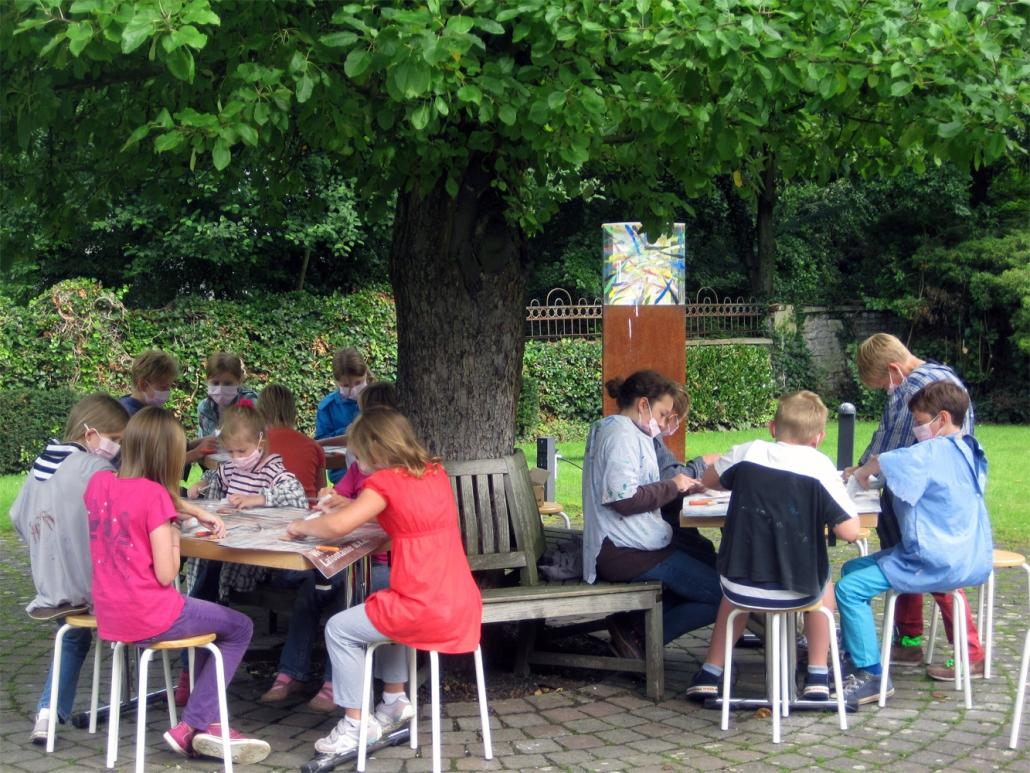 Sommerferienkurs im Skulpturengarten des Kunstmuseum Ahlen